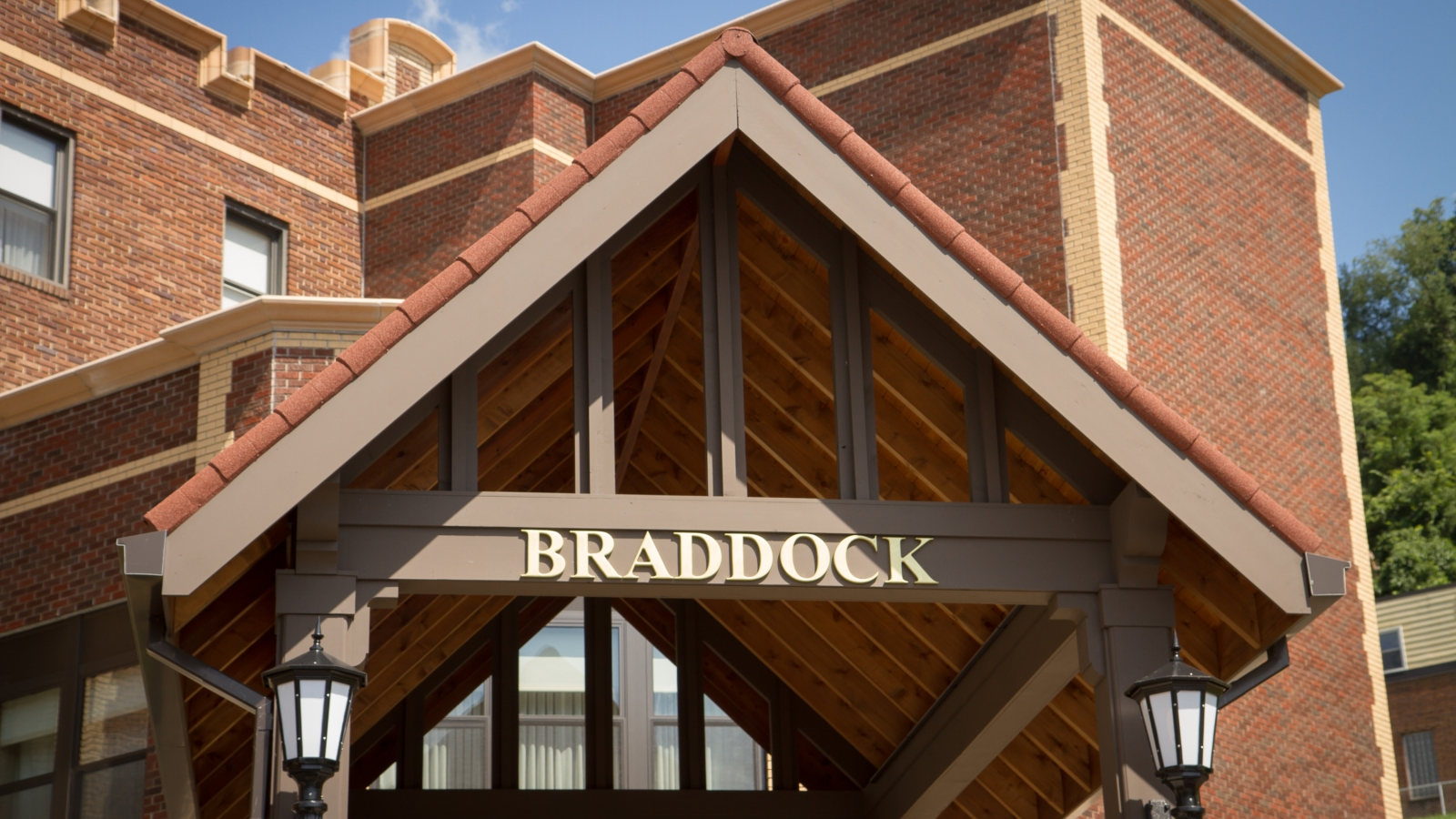The entrance awning of the Braddock Apartments.